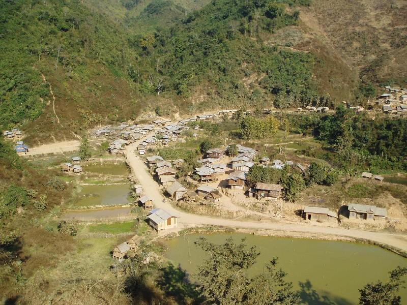 P2210009 Laos Village